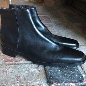 Donald J Pliner N E W men's black leather boots